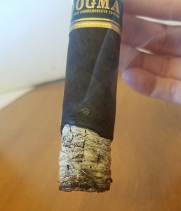 Drew Estate Dogma Undercrown cigar smoking